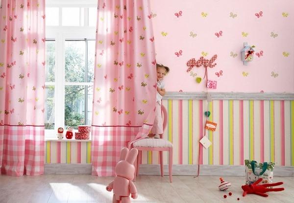 decoracao de cozinha e quarto juntos : decoracao de cozinha e quarto juntos:Nesse quarto infantil o papel de parede listrado tem as mesmas cores