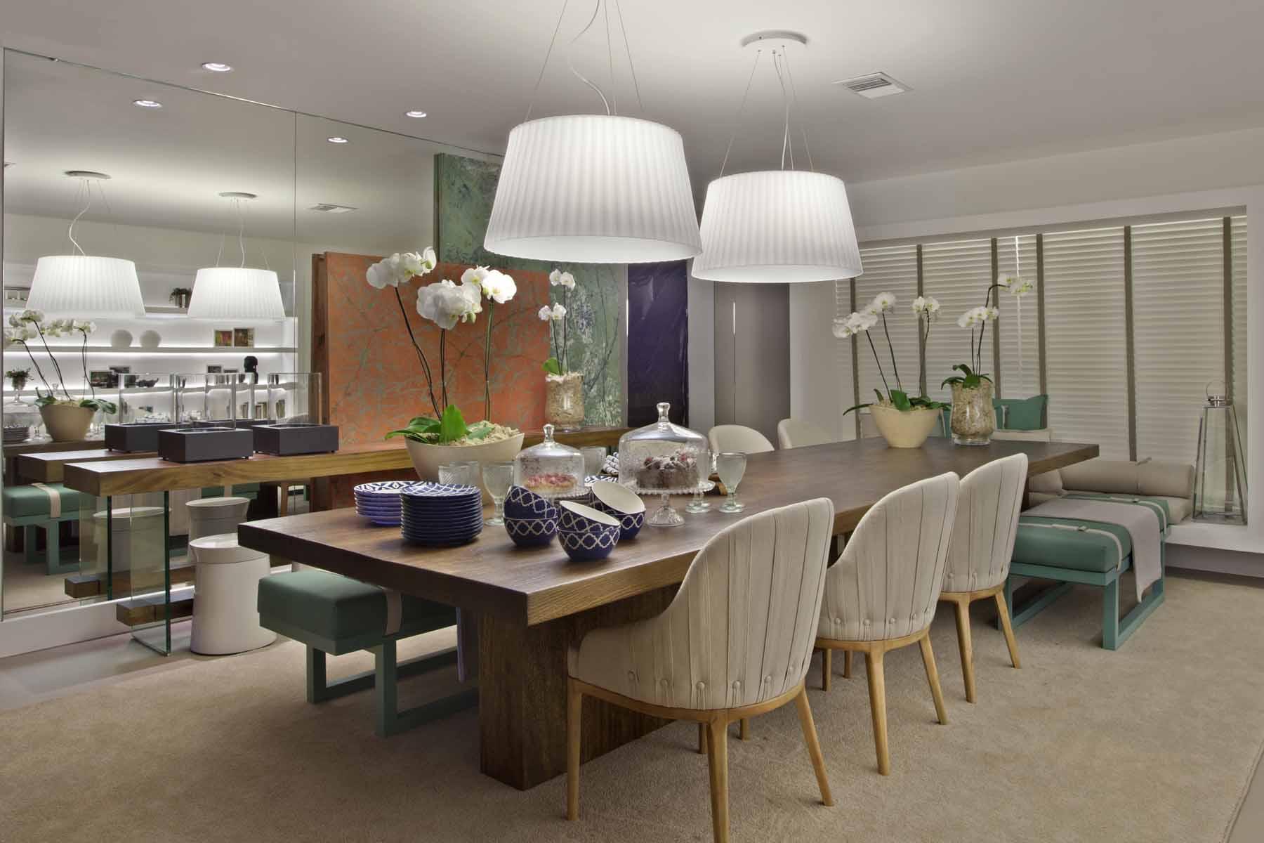 Diferenca De Copa E Sala De Jantar ~ sala de jantar com uma grande mesa de madeira qu